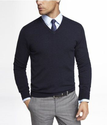 Ryan-(Medium)-MERINO WOOL V-NECK SWEATER | Express