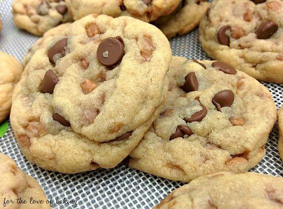 Chewy skor toffee bits cookies recipe