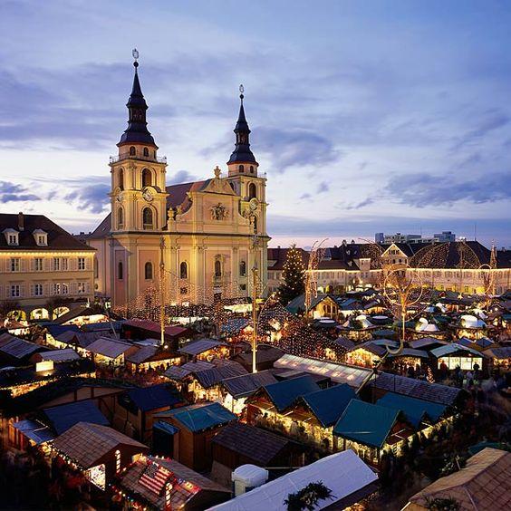 Wir stellen Ihnen den Weihnachtsmarkt in Ludwigsburg vor. Hier gibt es alle Infos, Termine und Öffnungszeiten zum Weihnachtsmarkt in Ludwigsburg.