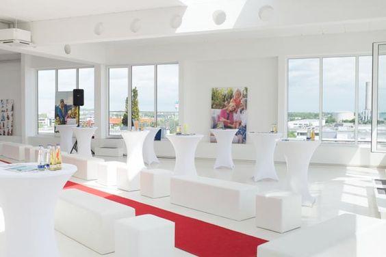 Vorbereitung zur Modenschau: Das Skyloftstudio in München, unser zweiter Stopp der Kids Modenschau 2014.
