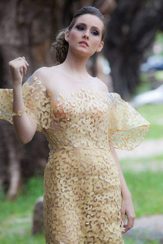 Vestido de papel Iáskara Isadora Foto: Nilson Domingos #saco de cimento #reciclagem #tingimentonatural #sustentabilidade