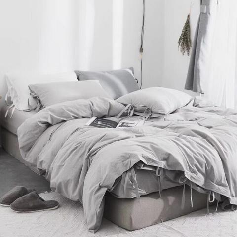 How To Put On A Duvet Cover In 2020 Bed Linen Design Duvet