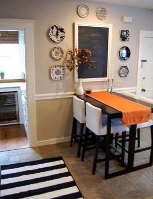 Comedor peque o la mesa empotrada a la pared me gusta for Living comedor pequeno rectangular