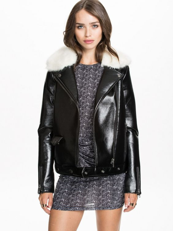 Fur Collar Leather Motorcycle Jacket - http://www.interiorredesignseminar.com/other-ideas/fur-collar-leather-motorcycle-jacket/