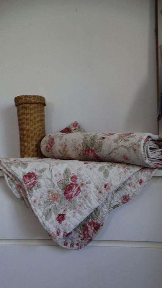 Le Jete De Lit En 44 Photos Pour Trouver Le Meilleur Plaid Pour Lit Archzine Fr Tricot Aux Doigts Tricot Et Crochet Tricot Main