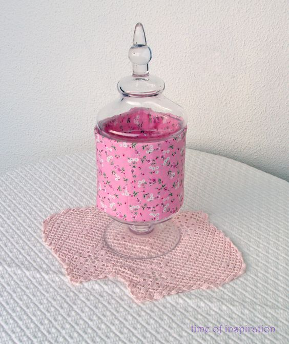 different ways to dressing jars...invaded by pink