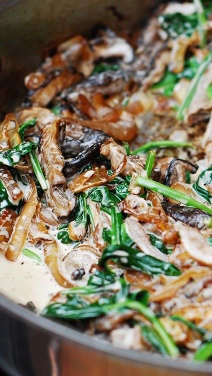 Sautéed Spinach and Mushrooms Sauce