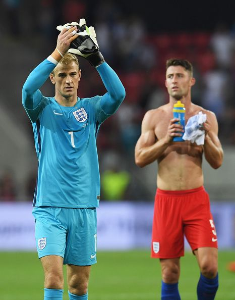 #WCQ2018 Joe Hart of England and team mate Gary Cahill salute the travelling fans after…