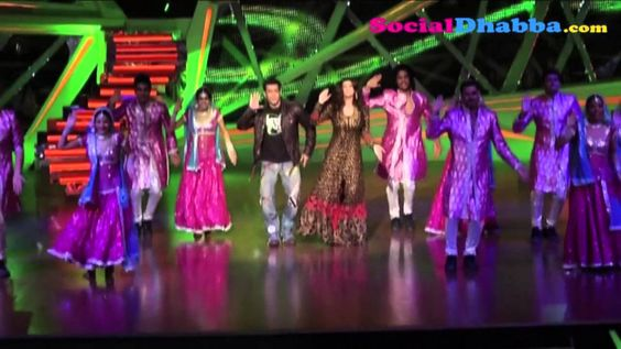 Salman Khan and Daisy Shah promote Jai Ho on the sets of Nach Baliye 6