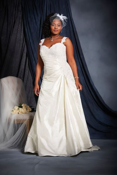 . Robe de mariée grande taille - Alfred Angelo