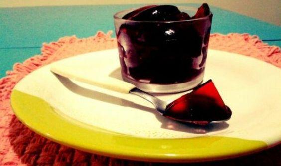 Gelatina do chá de hibisco é rica em benefícios para o organismo