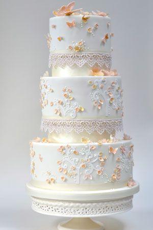 10-Gold-Fairytale-Wedding-Cake.jpg