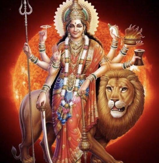 Die Kleine Hinduistische Gotterkunde Fur Indienreisende Gottinnen Hinduistische Gotter Indischen Gottern