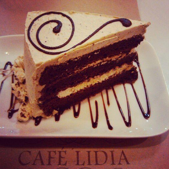 Cake nomnoms :) #cafelidia
