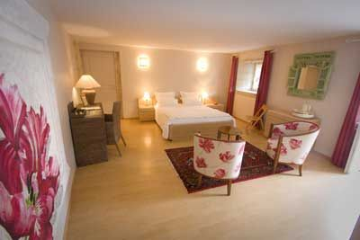 Une des Chambres d'hôtes à vendre à Benet, Marais Poitevin, Sud Vendée