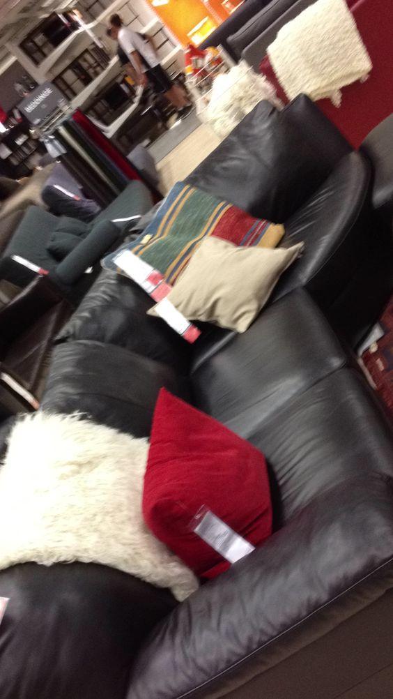 Vreta sofa 1799$
