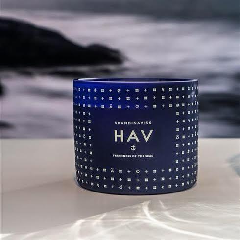 #Hav er en hyldest til #Danmark som fjerde største #søfartsnation i verden - en duft af frisk hav og stride bølger - en duft af den rå og barske #natur. Shop #specialoffer online at House of Bæk & Kvist - www.houseofbk.com #skandinaviskcollections #sea #danishdesign #scentedcandle #slowluxury #houseofbk