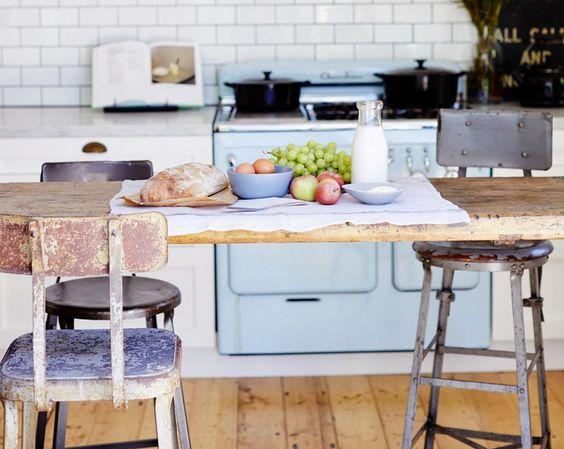 Cocina antigua de color azul clarito