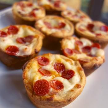 Deep Dish Pizza Cupcakes  These would be perfect in our mini muffin or straight muffin tray.  When using them in our flexipans you would skip the step that says grease the muffin tin.