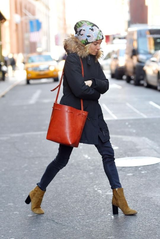 Casual cool on Sienna Miller http://rstyle.me/n/v335s4ni6 #ankleboots