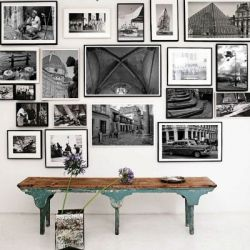 Photo wall inspiration. Pictures by Architectural Digest.