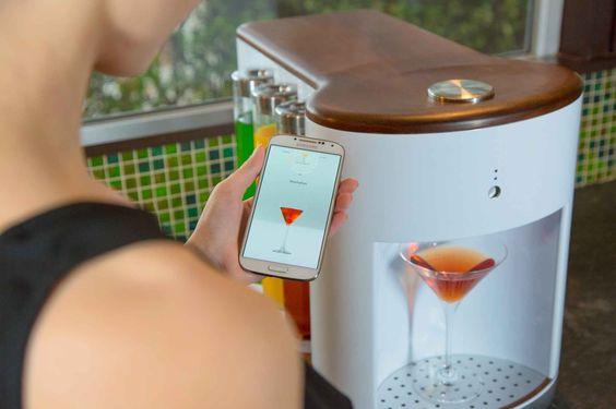 SomaBar. Un bartender robótico. Invento genial @alvarodabril @kickstarter