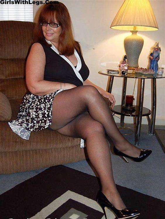 Ladies Flashing Pantyhose Nylon 69