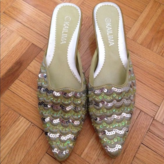 """New Green Sequin Sandals , 2"""" heel, US size: 8-1/2 NWOT Beautiful Green Sequin Sandals , 2"""" heel, US size: 8-1/2, New / Never Worn Shoes Mules & Clogs"""