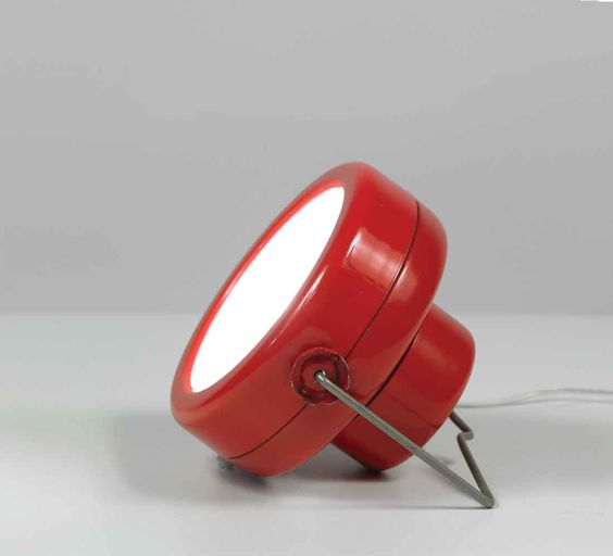 achille perglacomo castiglioni enameled metal 39 sciuko 39 table lamp for flos 1966 surface. Black Bedroom Furniture Sets. Home Design Ideas
