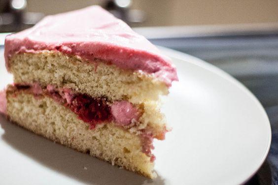 Vanilla-Raspberry Fluff Cake