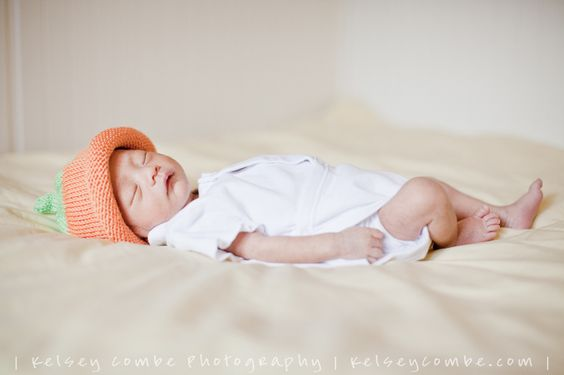 This little babe is perfection! Newborn photography :)