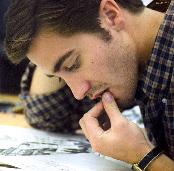 just-jake-gyllenhaal: Jake Gyllenhaal   Zodiac (2007) pinching his lip-- no, no, please-allow me!