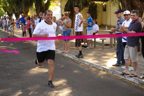 COMERCIAL PORECATU: Festa da Padroeira de Porecatu.Corrida Das Celebridades.