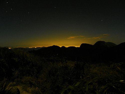 Serra do mar com Curitiba ao fundo
