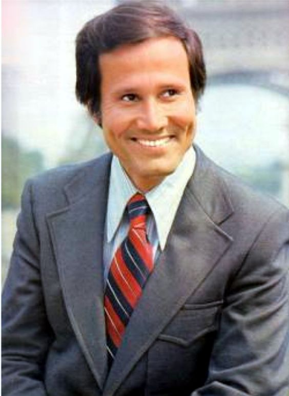 Actor Henry Silva turns 87 today - he was born 9-15 in 1928. Older Boomers saw him in the 1960 hit film Oceans 11. He went on to appear in other Frank Sinatra films such as The Manchurian Candidate, Contract on Cherry Street and Sergeants 3 as well as other films and TV.