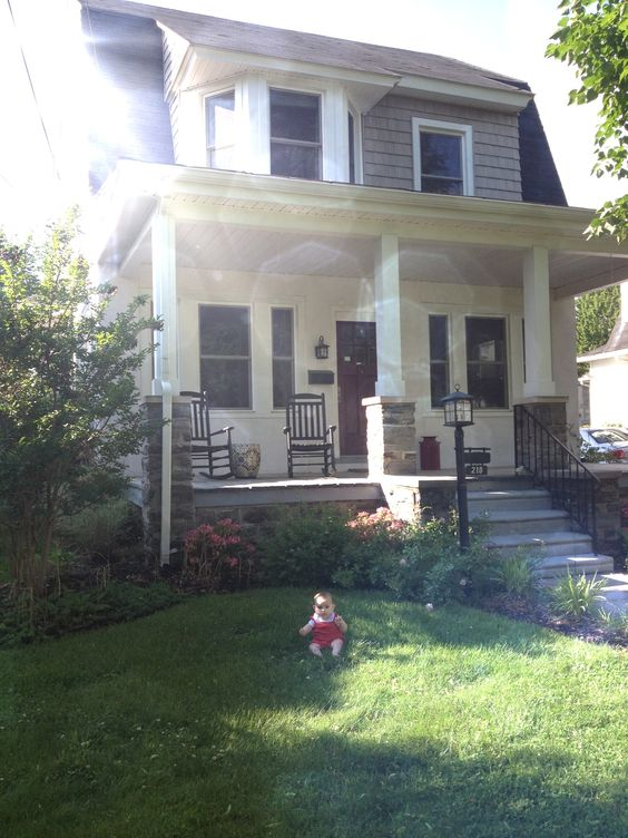 dutch colonial cuteness    #oldhome: Favorite Places, Colonial Eric, Dream House, Appeal Exterior, Colonial Cuteness, Curb Appeal, Hate Houses, Dutch Colonial, Cuteness Oldhome