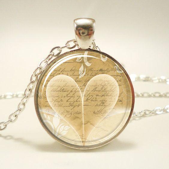 Herz Halskette romantisches Buch Liebhaber Anhänger von rainnua, $14.45