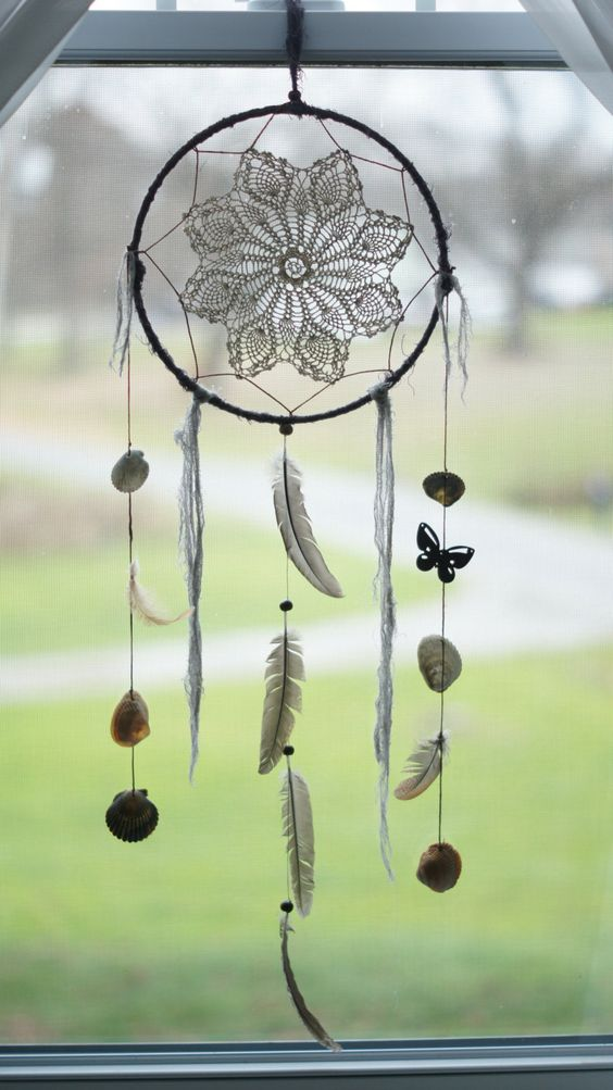 large gray feathers crochet dream catcher points de. Black Bedroom Furniture Sets. Home Design Ideas