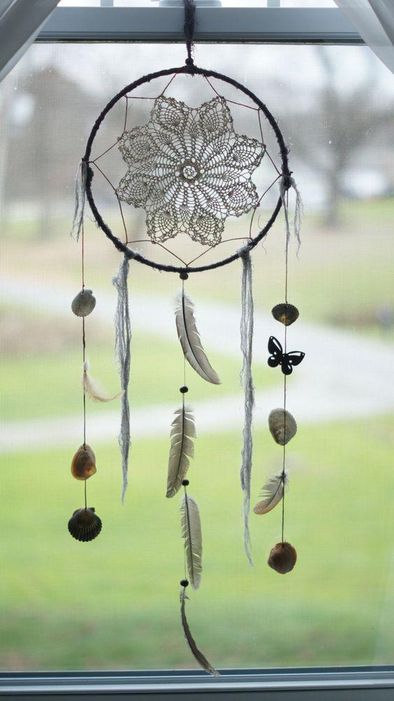 large gray feathers crochet dream catcher points de. Black Bedroom Furniture Sets. Home Design Ideas