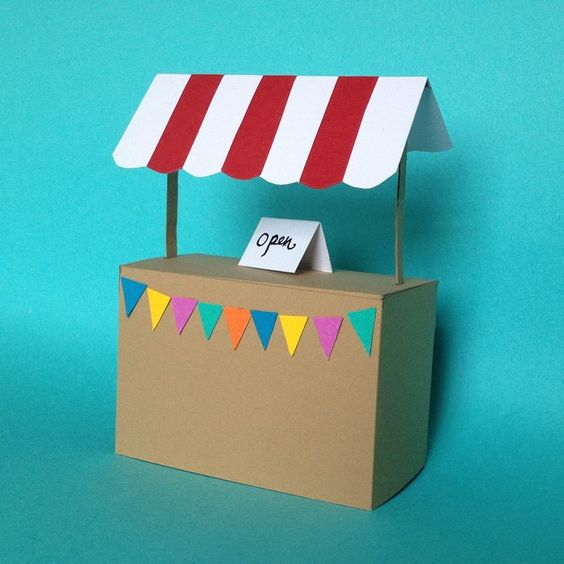 Paper craft stand by Hannah Miles #papercut #papercraft