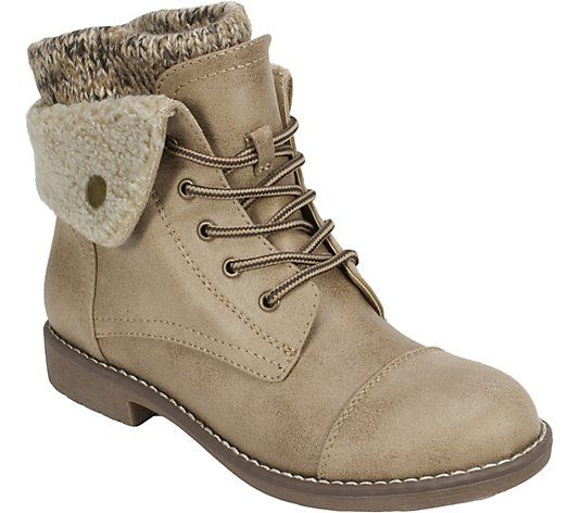 Cliffs by White Mountain Hiking Boots