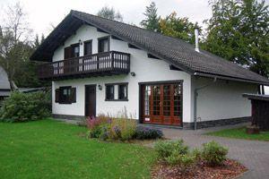 gite beau loup  Vakantiehuis in Mont-Malmedy van ± 140 m2, zeer rustig gelegen op een terrein van 1500 m2.  Het heeft 5 slaapkamers en 2 badkamers.