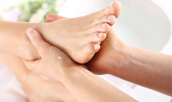 massagem para os pés. Passo a passo.: