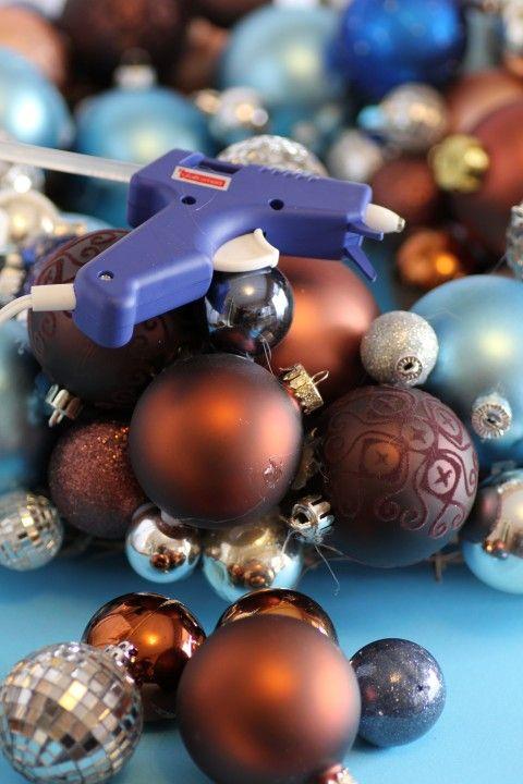 DIY Weihnachtskranz aus Kugeln