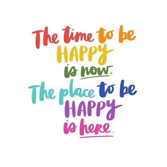 Estar con mi familia me hace sentir así 💛 . . 📷 @amytangerine . #LivingAndPlaying #LifeLesson #metime #familytime #quote #happy #Livingcolorfully