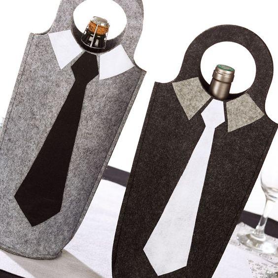diy f te des p res cr er un sac en feutrine pour bouteille une fiche cr ative propos e par. Black Bedroom Furniture Sets. Home Design Ideas