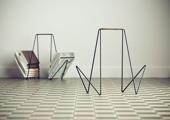simple magazine rack by gauzak: perfect for porch