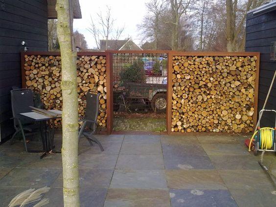 Haardhout opslag en schutting houtopslag pinterest foto 39 s tuin en google - Opslag terras ...
