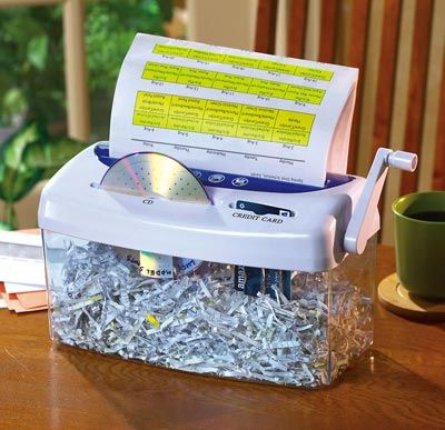 Hand paper shredder