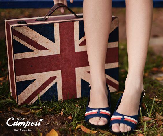 Uma sandália de salto baixo é perfeita para as férias. Já planejou as suas?
